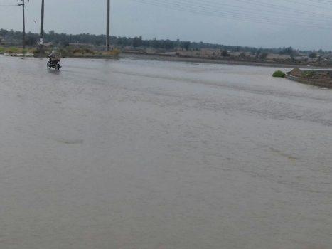 محور اصلی رودبار جنوب به ایرانشهر مسدود است/ بازگشائی محورهای فرعی این منطقه تا پایان امروز
